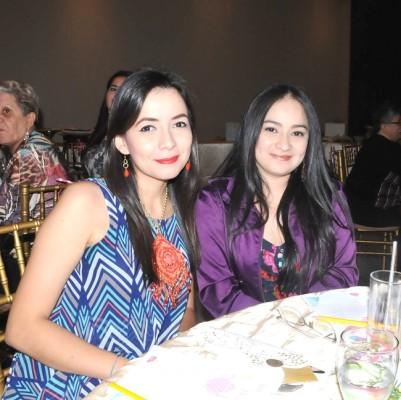 Gina Benitez y Astrid Caballero