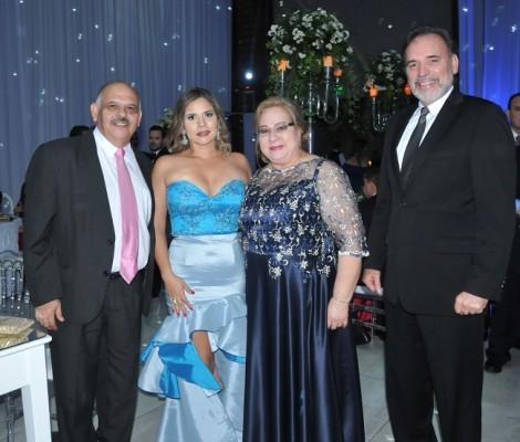 Jorge, Alejandra y Rosario Grande, junto a Abel Fonseca