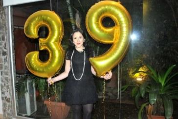 El lujo y Glamour de los años 20 en el Cumpleaños de Belinda Gudiel