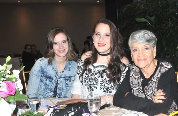Victoria Sierra, Daniela Sierra y Lolita Schwarzbauer