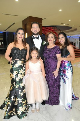 Claudia y Lamberto Zornitta, Julie Fajardo, Karla Fajardo e Isabella Zornitta