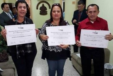 TSE entrega credenciales a diputados electos de siete partidos políticos
