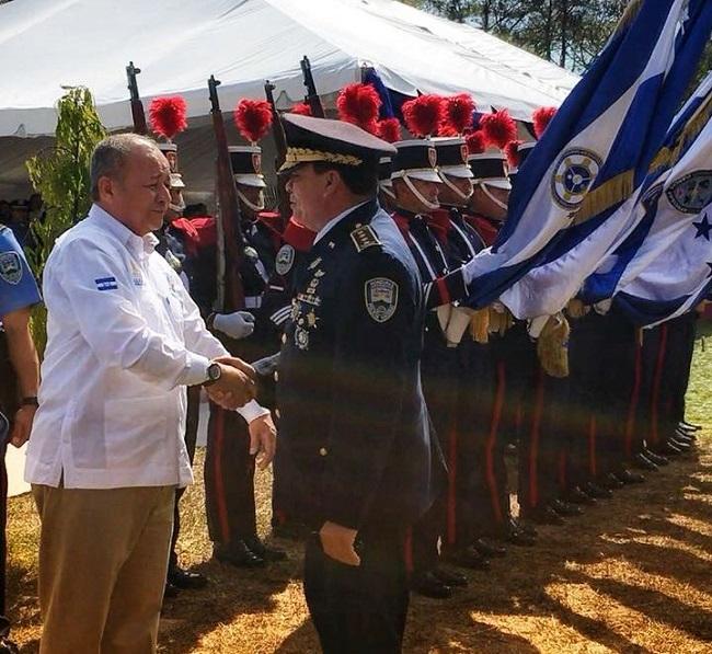 Policía Nacional despide con honores a siete oficiales por su destacada trayectoria