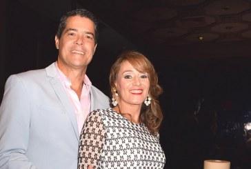 Esposos Egas-Casco celebran bodas de plata