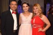 Seniors de la Sun Valley Bilingual School coronan sus metas académicas
