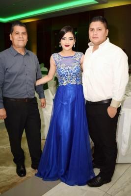 Salvador Castillo, Jackeline Nicolle y Edin Castillo.
