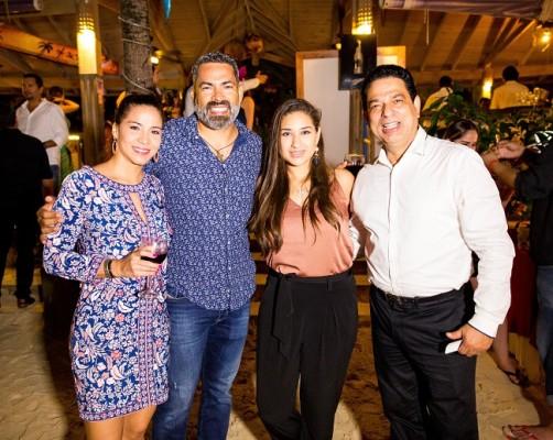 Fatima y Fernando Santos, Nicole Monterroso y Sergio Aguilar
