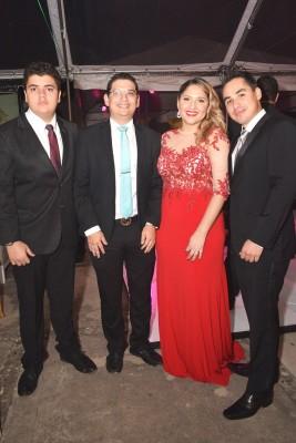 Carlos Juárez, Xavier Cálix, Cinthia Cálix y Kevin Velásquez