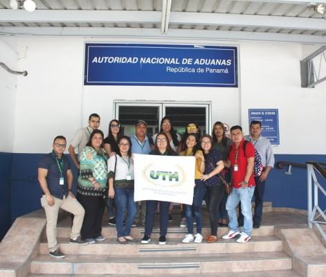 Durante la visita a una de las principales aduanas ubicada en el Puerto de Balboa
