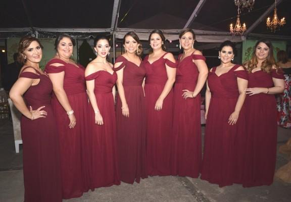 El cortejo de la novia…un hermoso ramillete de damas