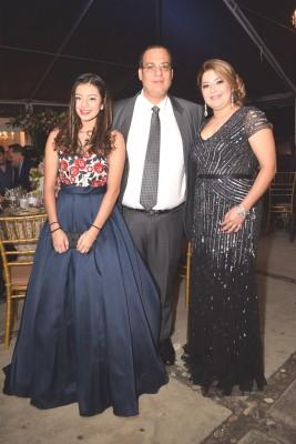 Jinan, Aroldo y Karen Salguero