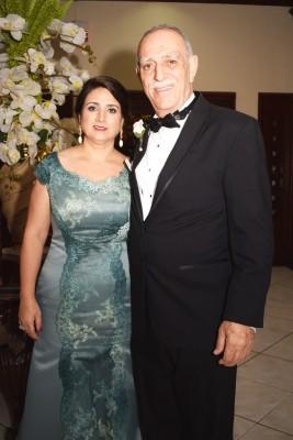 Los Padres de la novia George Anton Kharoufeh y Maha Abuamsha