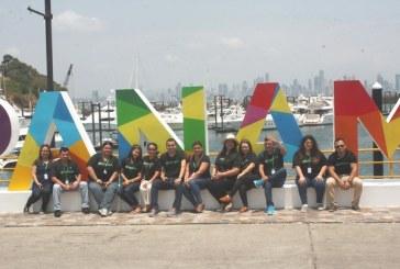 Estudiantes de Marketing UTH visitan Panamá en su gira académica