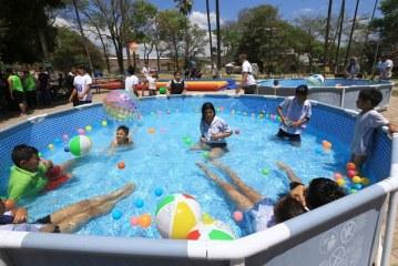 Quienes no salgan de vacaciones podrán divertirse en recreovías y piscinas en los Parques para una Vida Mejor en todo el país
