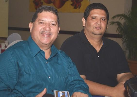 Carlos Carbajal y Carlos Jr.