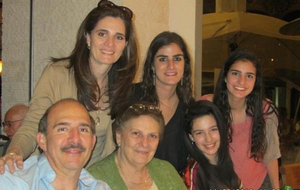 Cumple de Mirna de Beall con su familia