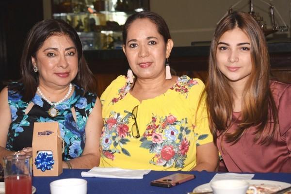 Ester Amaya, Maribel Arriaza y Alejandra Cribas