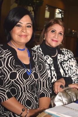 Farah Robles junto a Fabiola