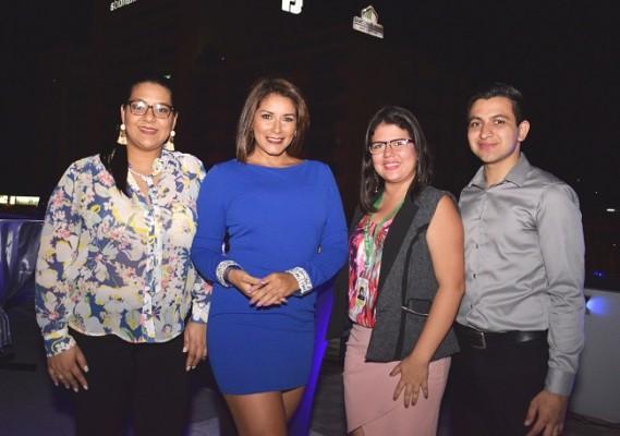 Lorna Reyes (Directora de la carrera de Mercadotecnia en UTH), Ruth Arita, Keidy Hernández y Aldo Miranda