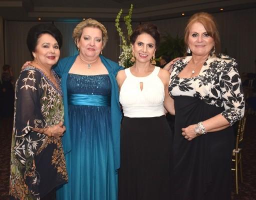 María Eugenia Abufele, Norma Valerio, Jackie Rodríguez y Sonia Valerio