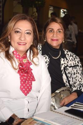 Sonia Mejía con Farah Robles