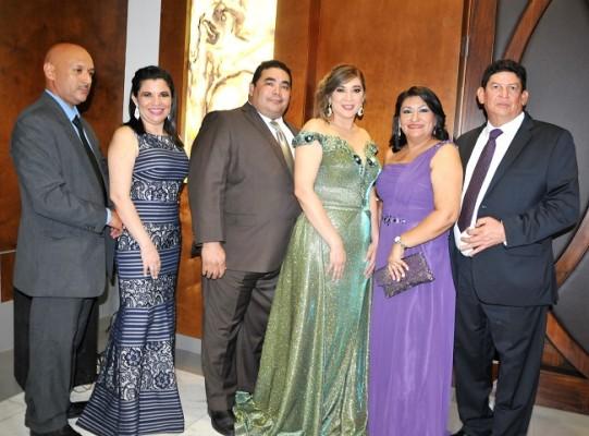 Allan Pavón, Karen Pavón, Felix Rodríguez, Aylin de Rodríguez, Virginia de Ferrera y Carlos Ferrera