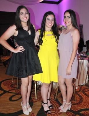 Allyson Gutiérrez, Angélica Núñez y Elena Roth