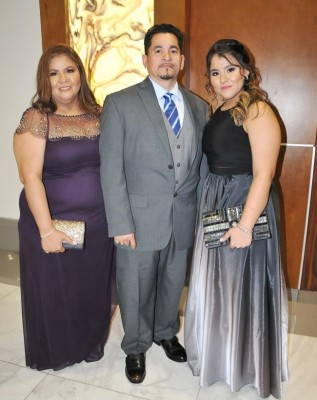 Ana de Pineda, Gabriel y Gina Pineda