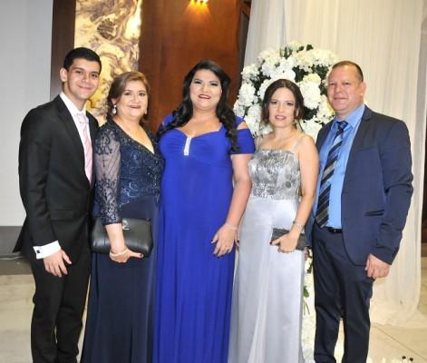 Carlos Antúnez, Emilia de Antúnez, Brenda de Perdomo, Sofía de Flores y Jan Ysaguirre