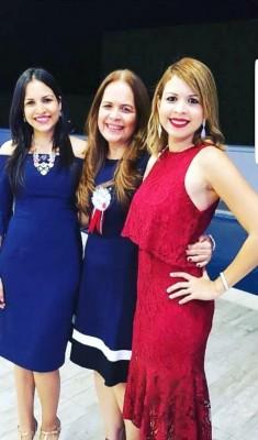 Geraldina Gonzales con sus bellas hijas