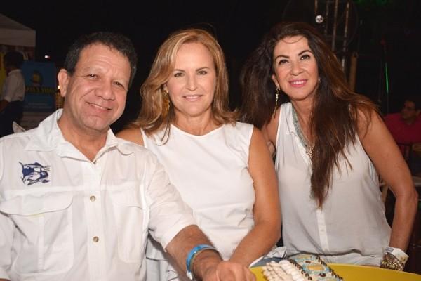 Johnny Chahín, Vivian y Carmen Chahín