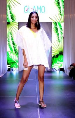 """Las diseñadoras Gladys Gonzales y Mónica Gil de Glamo presentaron una seductora y sexy línea de salidas de baño con el nombre """"Estampados"""", una colección pensada para personas modernas que quieren mostrar su cuerpo"""