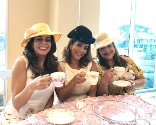 Las tres Gavidia en la celebracion a su mami