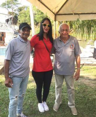 Lilian Rivera con los jueces del torneo Billfish Open 2018