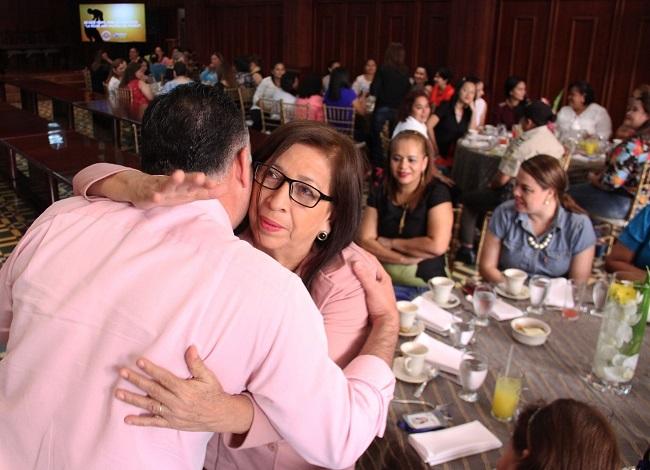 Con ameno convivio agasajan a madres de la Municipalidad sampedrana