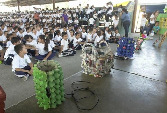 """En el Día Mundial del Reciclaje: Lanzan en escuelas y colegios sampedranos proyecto """"Centros limpios saludables"""""""