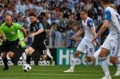 Argentina decepcionó en su debut mundialista al empatar 1-1 con Islandia