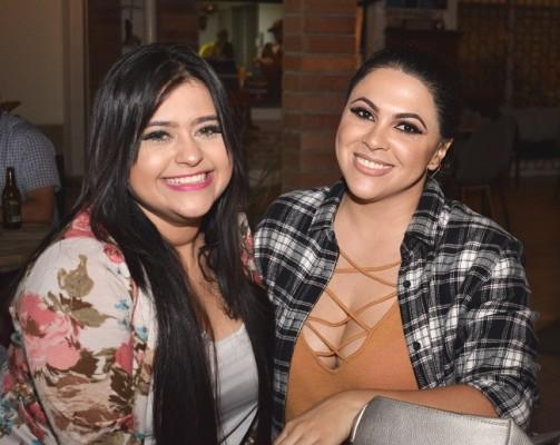 Claudia Villanueva y Cindy Vargas