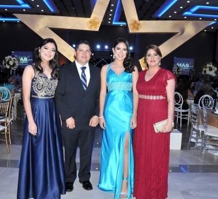 Dana Romero, Marcela María Romero, Ilen de Romero y Benjamín Romero