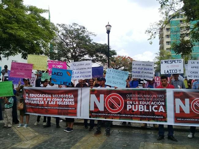 Sociedad Civil realiza plantón en San Pedro Sula por las libertades religiosas y la educación laica