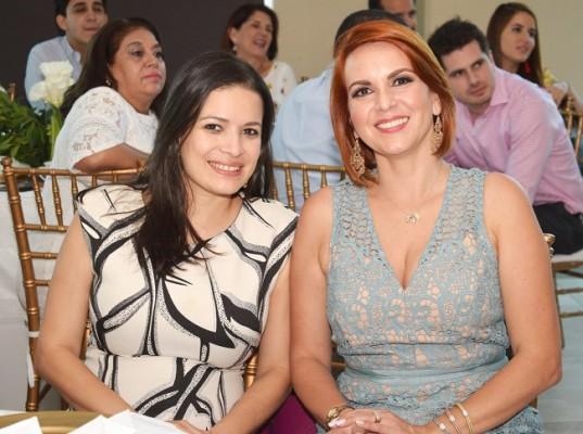 Ivette Crespo y Pamela Larios