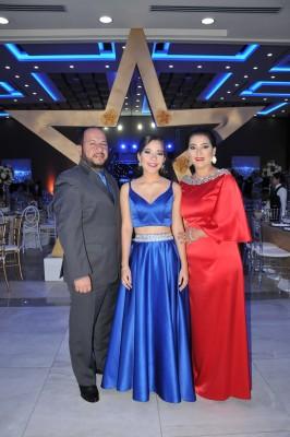 Karl Estévez, Adriana Estévez y Ana Camacho