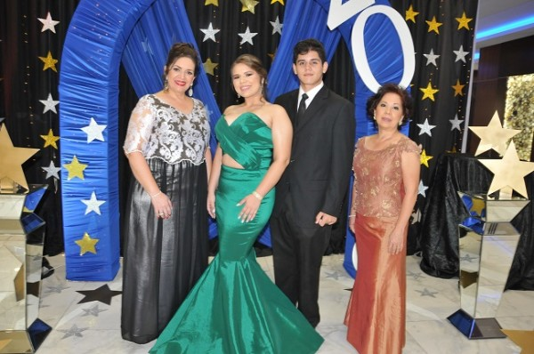 Waleska Castellanos, Andrea Piloña, Saúl Castellanos y Florencia Leiva