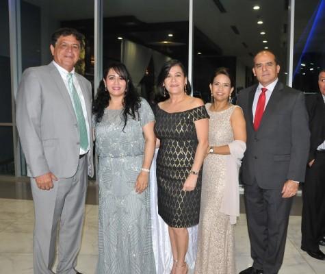 Alex y Teresa de Quan, María Eugenia Interiano, Gina Puerto y Luis Zúñiga