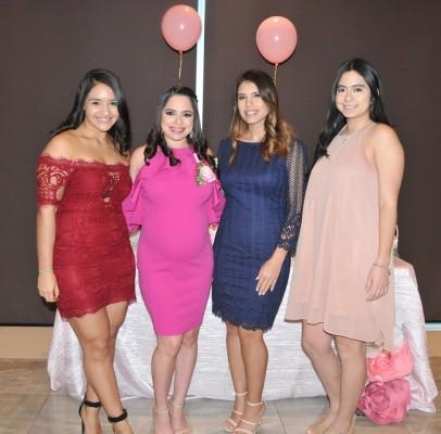 Andrea de Rivera, Daniela Castro de Hernández, Daniela Funes y Cecilia Calix