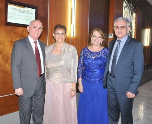 Carlos Cáceres, Carolina de Cáceres, Ivonne de Chahín y Adel Chahín