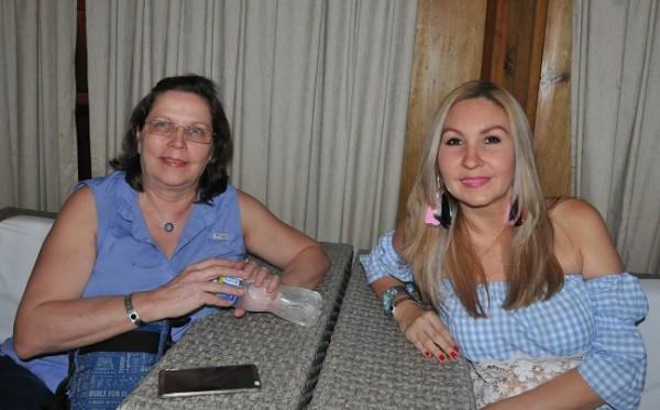 Gloria Losada y Marcela Boniche.