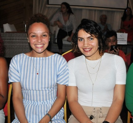 Lili Washington y Allison Varela.