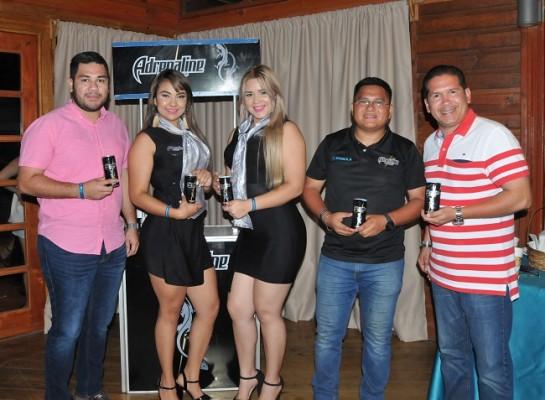 El staff de Emsula: Francisco Ortez, Grace Hernández, Yolany Leiva, Danny Aguilar y Carlos Collier.