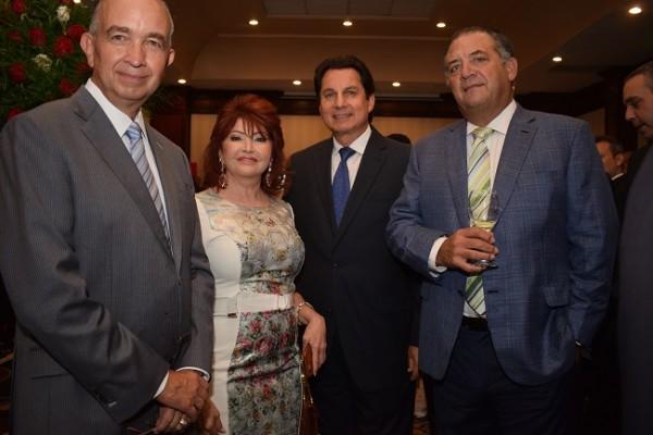 Ernesto Lazarus, Maritza Lara, Mario Canahuati y Emilia Medina